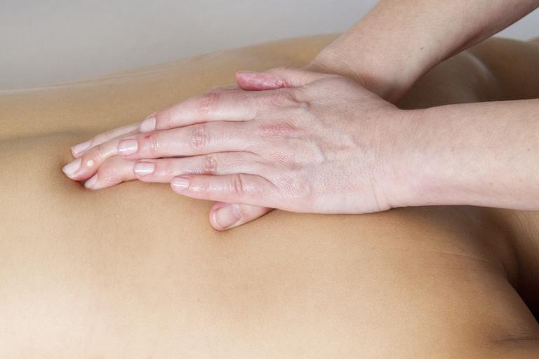 Masáž, relaxácia, ruky, chrbát.jpg