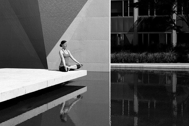 meditujúca žena.jpg